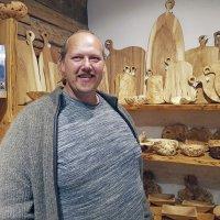 Virolainen käsityö palauttaa puun kunniaansa, Valdur Tilk tekee puusta mitä haluaa