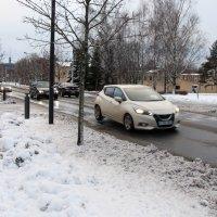 Kaupungintalon ja kirkon välille tulee paremmat katuvalot – Työmatkailija meinasi jäädä suojatiellä auton alle joulukuussa, vaikka hänellä oli runsaasti heijastimia
