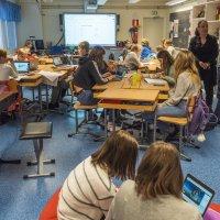 Mikä on optimaalinen ryhmäkoko kouluissa? Meillä on selkeästi keskimäärin pienemmät ryhmäkoot kuin maksimaalinen raja antaisi mahdollisuutta