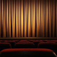 Filmipyörä esittää Kauraslammen koulun auditoriossa viikonloppuna elokuvat Frozen 2 ja Tarhapäivä