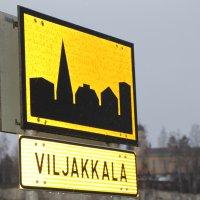 Jäätävän liukas keli aiheutti liikenneonnettomuuden Viljakkalassa sunnuntaina – kaatunut rekka jumitti liikennettä tunteja