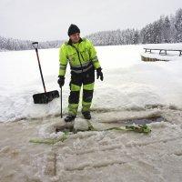 Sääolosuhteet estivät jääsaunan rakentamisen