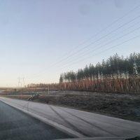 Henkilöauto suistui ulos moottoritieltä Pikku-Ahveniston kohdalla