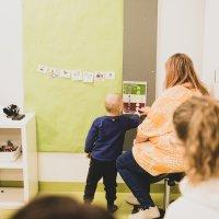 Ylöjärveläiskouluissa ja -päiväkodeissa harjoitellaan tunne- ja vuorovaikutustaitoja – Esimerkiksi kolmevuotiaat pääsevät tulkkaamaan, miltä nallesta tuntuu