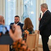 """Presidentti Niinistö paikallislehdille: """"Vihaksi yltyvä keskustelu voi purkautua fyysisinä vihan ilmiöinä"""""""
