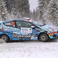 Autosuma ja rengasrikko hidastivat – Röyhkiö nousi silti SM-pisteissä toiseksi