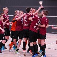 Futsalin nuorten SM-finaalit YIlveksen mitalijuhlaa – katso kuvat U17- ja U19-joukkueiden peleistä