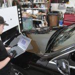 Kirkas tuulilasi ja uudet renkaat takaavat ajoturvallisuuden – Kaikki ammattitaitoiset palvelut saman katon alta Ylöjärveltä ja Lempäälästä