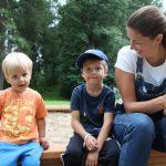 Tutunnäköisiä lapsia? – Kyllä! Tässä ovat 2-vuotias Pyry ja 5-vuotias Patrik, Ylöjärven kesäiset mainoskasvot