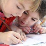 Tarkennuksia pienten kouluun ja perustaitoihin: Jokaisella kolmannelle luokalle siirtyvällä olisi vahva luku- ja laskutaito