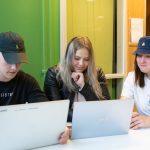 Lukion yrittäjyyslinjalaiset osallistuivat innovaatioleirille – Nuorten mukaan esimerkiksi älylaseja kannattaisi hyödyntää tulevaisuudessa, kun perustetaan uutta yritystä