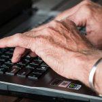 Elinkaarimalli pitää ikääntyneet työelämässä – pois ikärasismista