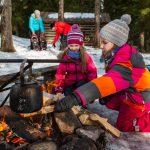Seitsemisen lumiset maastot kutsuvat hiihtolomaretkille – viikonloppuna muun muassa koiravaljakkoretkiä