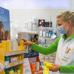 UV-säteily, haavat, ötökät, allergiat, vatsavaivat – Kesäinen ensiapulaukku sisältää suojaa iholle ja vatsalle