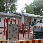 Kaupungin lastensuojelu ei enää pian palvele perusturvakeskuksessa – Kiistelty uusi rakennus Seijantien leikkikentällä avaa ovensa