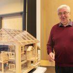 Aarre Lehtimäellä on kotonaan 2,5 huoneellista itse tehtyjä puuleluja